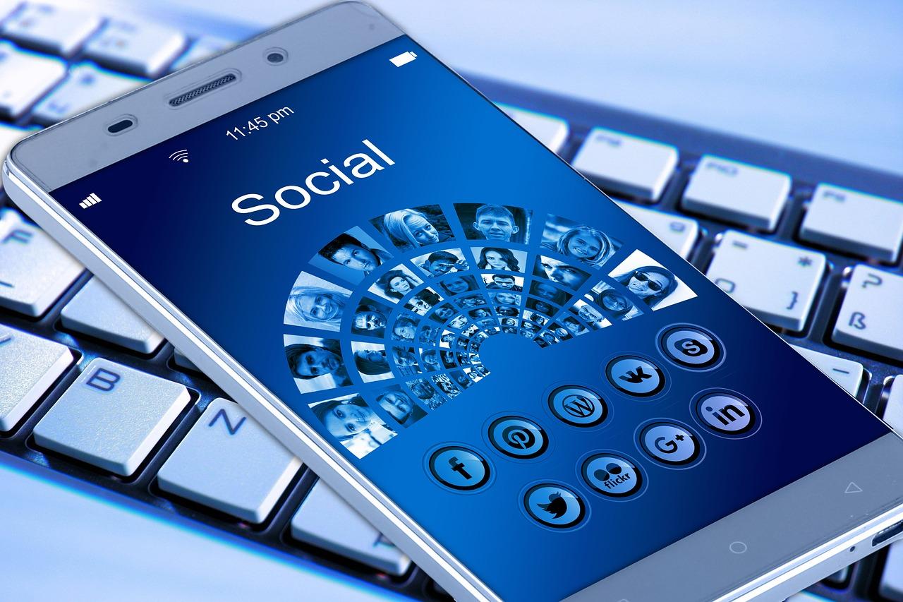 Comment utiliser les réseaux sociaux pour améliorer son référencement ?